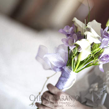 Brautstrauß in Fliederfarben- Foto: Chema Naranjo