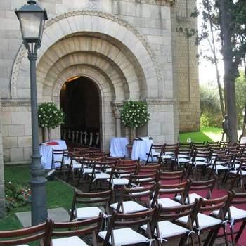 Si tu sueño siempre ha sido realizar una boda en la ciudad de Barcelona pero bajo un entorno arquitectónico único, ¡no busques más!