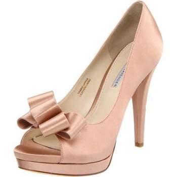 Sapato Peep toe rosa Vera Wang. Foto : Vera Wang