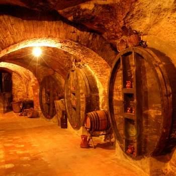 """Las catas de vino son experiencias que encajan muy bien con los amantes de la buena gastronomía y para quienes buscan un plan con un toque de romanticismo. Foto: <a href=""""https://www.zankyou.es/f/zonaregalocom-23780"""" target=""""_blank"""">Zonaregalo.com</a>"""