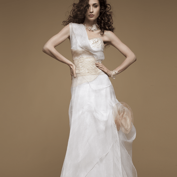 Robe de mariée Elsa Gary 2013, modèle Bois de Rose. Photo: Elsa Gary