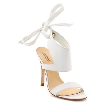 Sandales Germain par Delphine Manivet & CosmoParis. Un modèle de chaussures de mariée ultra élégant
