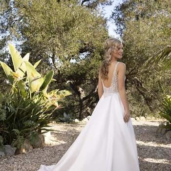 Photo : Casablanca Bridal