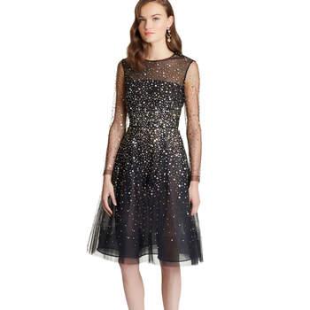 Paillete sequin embroidered illusion-tulle dress. Credits: Oscar de la Renta