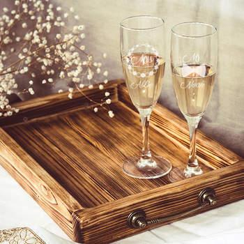 Duo de flûtes à champagne personnalisées - Crédit photo: cadeaux.com