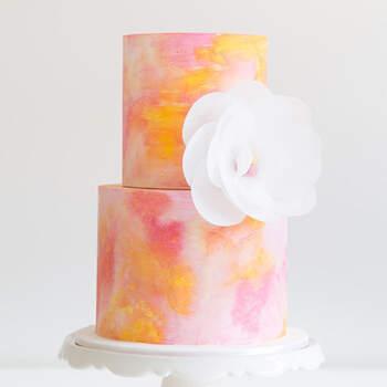 Foto: Montequilla - Pastel con flor blanca y efecto acuarela