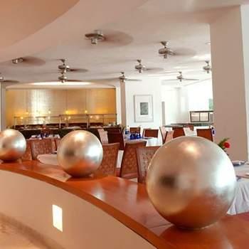 """<a href=""""https://www.zankyou.com.mx/f/hotel-emporio-acapulco-18678""""> Foto: Hotel Emporio Acapulco </a>"""