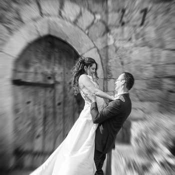 A propos du photographe : Passionnée de photo depuis plusieurs années, avec une sensibilité particulière pour les photos de mariages, j'ai décidé de développer cette passion pour répondre à quelques demandes insistantes. Et c'est grâce à cela que je peux aujourd'hui mettre à votre service mon expérience dans la photographie et les reportages photos de mariages, particulièrement sur les départements 57, 54, 55, et au Luxembourg. Je peux me déplacer partout ailleurs, comme je l'ai déjà fait pour la Bretagne, la côte d'Azur...   Si cette photo est selon vous, LA PLUS BELLE PHOTO DE MARIAGE, laissez un commentaire ci-dessous en indiquant le n°20