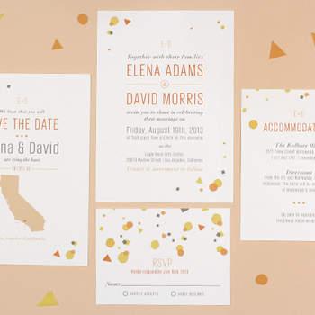 Lo de hoy son las invitaciones sencillas diseñadas por computadora. Haz tu propio diseño, aquí algunas invitaciones modelo. Foto de green wedding shoes