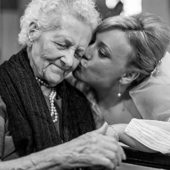 Le bonheur du grand jour se partage avec les proches. Jamais vous ne recevrez et donnerez autant de baisers ! Photo: Luz de Flash