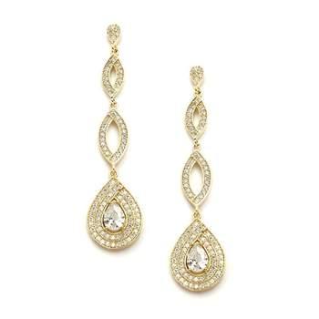 Photo : Odazz Mariage. Boucles d'oreilles chandelier Goutte d'Or.