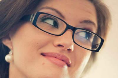 Mariées à lunettes: Conseils et exemples pour être parfaite!