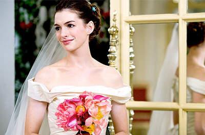 Anne Hathaway ya se vistió de novia en la película 'Guerra de novias', con un vestido diseñado por Vera Wang. Foto: 20th Century Fox