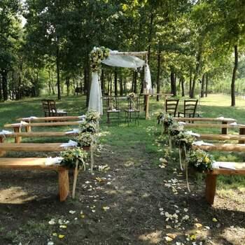 La Castella: Cosa c'è di più romantico di un bosco? Una cerimonia nuziale all'ombra dei suoi alberi secolari!