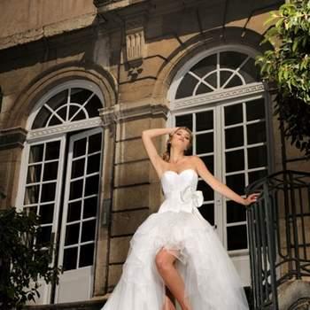 Robe de mariée Max Chaoul 2012, collection I Love You. Modèle Le Pradet. Robe bustier décolleté coeur, jupe asymétrique en tulle. Source : Max Chaoul