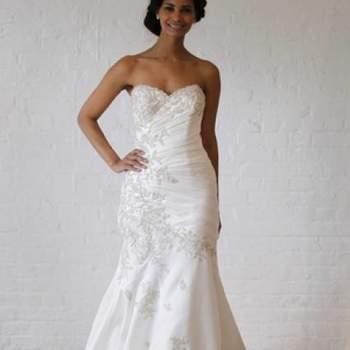 Glamour et féminine. Crédit photo : Robe de mariée David´s Bridal 2013  New York Bridal Fashion Week, printemps 2013.