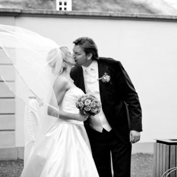 Das Brautpaar ist natürlich das Lieblingsmotiv der beiden Bildkünstler.