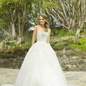 Style H1338. Credits: Moonlight Bridal.