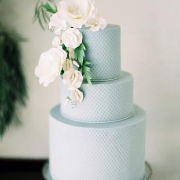 Inspiração para bolos de casamento de 3 andares | Créditos: Greer Gatuso Photography