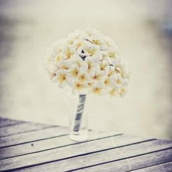 Bouquet de mariée pour un mariage à la plage. Crédit: Fran Russo