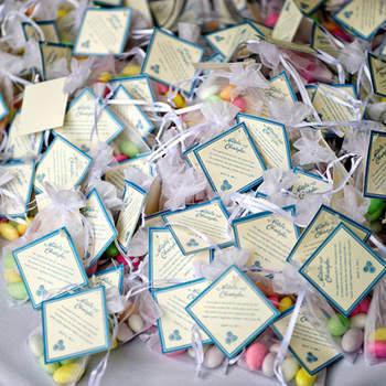 Almendras de colores que dan un toque de frescura a tu boda.