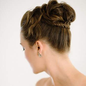 Penteado para noiva com coque alto   Foto: Shannon Moffit Photography