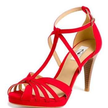 Sandales rouges Stradivarius ultra élégantes. - Source : Stradivarius