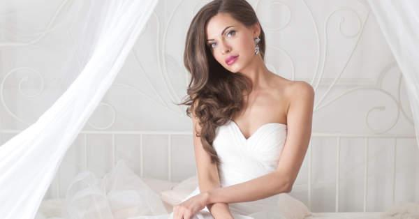 e087af1bb ¿Cómo combinar el vestido de novia con el maquillaje  Consejos de  especialistas según tu estilo