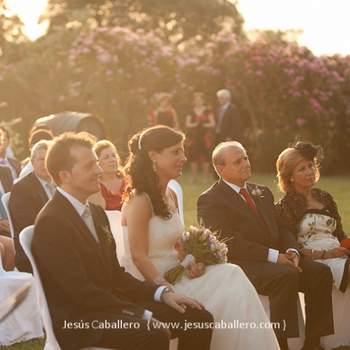 La luz de la tarde permitió a Jesús Caballero obtener esta preciosa foto en una boda en exteriores. Foto: Jesús Caballero.