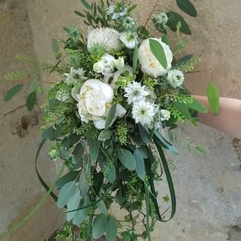 Bouquet de mariée fleurs blanches Oya Fleurs