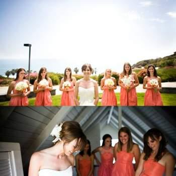 Demoiselles d'honneur habillées de robes couleur corail. Crédit photo: Mariage Original