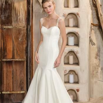 Créditos:  Style 2300 Maya, Casablanca Bridal.
