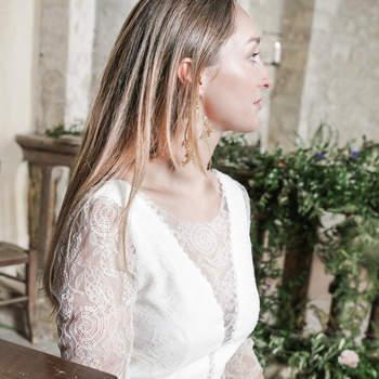 Fleurs: Les Mauvaises Herbes Make-up: Johan Yvon Accessoires: Atelier Nadine Schalit Photographe: Enzo Pascual Hair: Vania Laporte Assistante Styliste: Sytti.bb