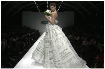 Lindsey Wixson in Moschino 2015. Frame da videosfilata, via www.moschino.com