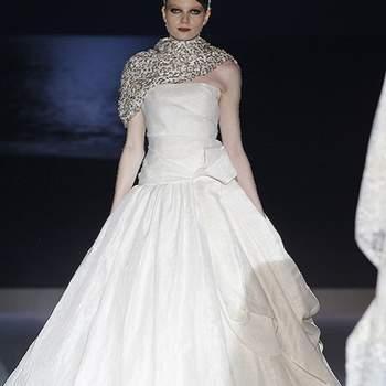 Jupe bouffante et beaucoup d'allure pour cette robe Jesus Peiro 2013. Photo : Barcelona Bridal Week