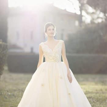 """La Vie En Blanc Atelier: dalle atmosfere del """"Il Lago dei Cigni"""" un abito classico e raffinato che vi accompagna in un'atmosfera da sogno."""
