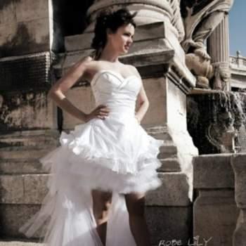 Robe de mariée Lily, Collection Mon Amour. Vue de face. Crédit photo: Nathalie Elbaz Cleuet