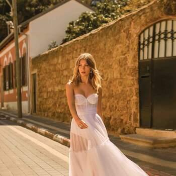 Modelo: Elena Marca: Berta Bridal