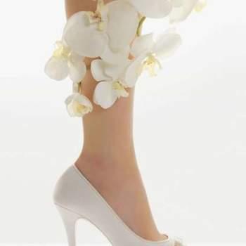O sapato da noiva deve ser confortável. Além disto, tem que ser lindo para compor o look mais importante do dia! Inspire-se nos lindos modelos de sapatos Rosa Clará 2012.