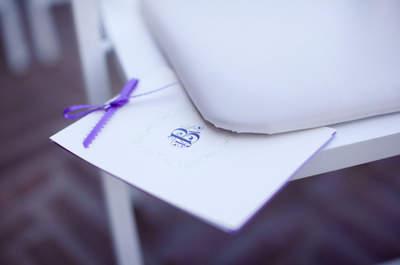 Casamento cheio de elegância: decore com detalhes na cor roxa e dê um toque mais que original