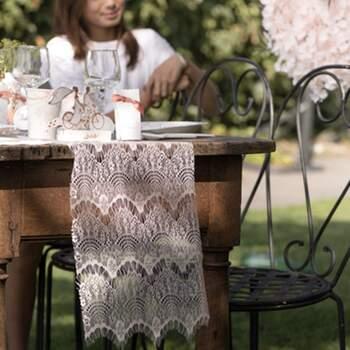Chemin de table bohème-chic blanc - The Wedding Shop !