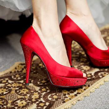Inspire-se no vermelho. Cor da paixão, clássica, perfeita para um casamento deslumbrante.