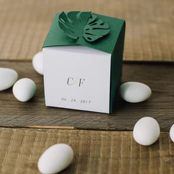 Cajita en forma de hoja personalizable- Compra en The Wedding Shop