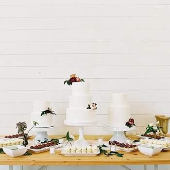 Foto: My Mint Photography - Pasteles de boda blancos