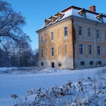 Romantisches Wochenende in der unberührten Natur in einem wunderschönen Märchenschloss mit fürstlichem Brunch,  prasselndem Kaminfeuer und privatem SPA auf Schloss Stülpe
