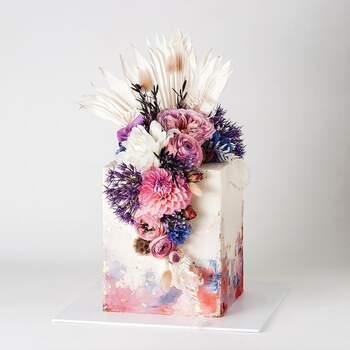 Foto: Cake Ink - Pastel de bodas originla en forma de cubo