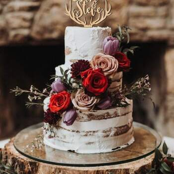 Foto: Etsy - Naked Cake con flores naturales y