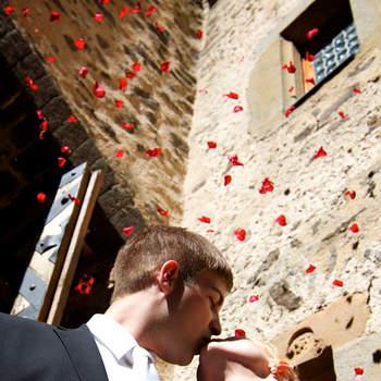 """Für dich soll's rote Rosen regnen...  <a href=""""http://www.schloss-romrod.com"""">Schloss Romrod</a>"""