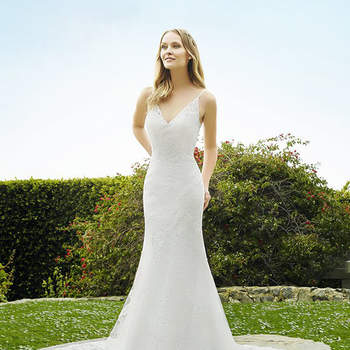 Style H1334. Credits: Moonlight Bridal