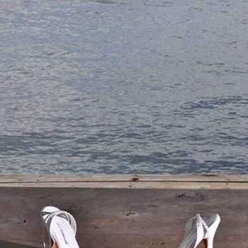 Sandalias de correa para ajustar en blanco.